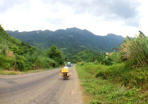 ラオスバイク旅 レンラルバイク ルアンパバーン