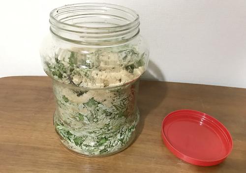 ヨモギの発酵液天恵緑汁の作り方