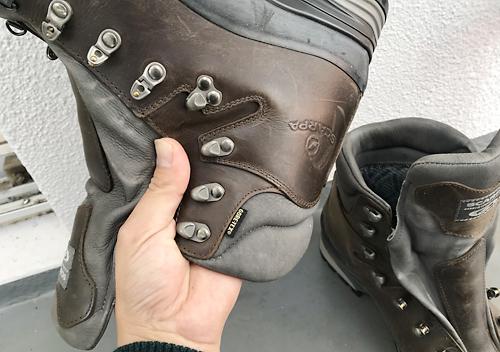 コロニルのレザーワックスで保湿&防水革靴のメンテナンス方法