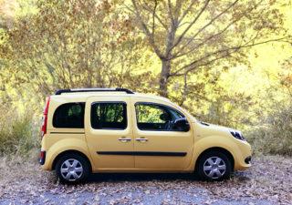 【カングー/新車】かわいいだけじゃない、広い室内空間。キャンプ?車中泊?さてどこ行こう!