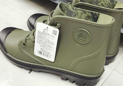 ワームマンレインシューズ・安いので釣り用長靴に最適