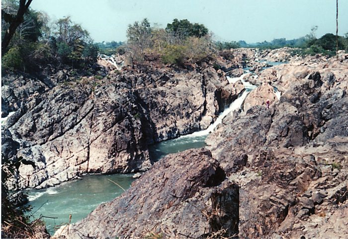 ラオス デット島 メコン川