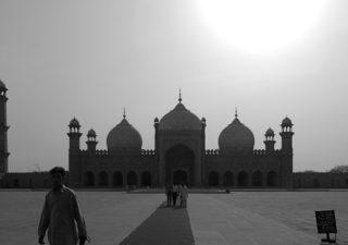 【パキスタン/イスラマバード】イスラム圏を旅する.1~インド国境を越えパキスタンへ入国~