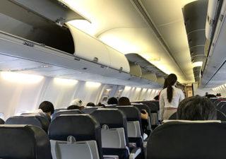 【グアム/LCC】子連れ旅行から帰国。コレあったら便利だったなぁ…と思う飛行機内グッズ。