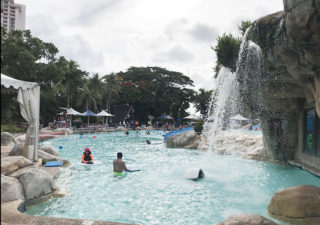 【グアム/ホテル】《アクティビティ編》魚と泳げるプールや1歳からの託児も。PICは子供も大人も楽しめる!