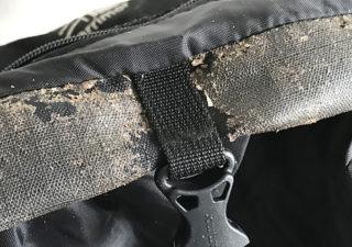 【登山/バックパック】加水分解したモンベルのトレッキング用リュックを重曹で綺麗にメンテナンス!