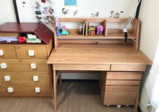 【子育て/学習机】木の香り漂うオーク無垢材。自然な風合いの勉強机を組立て。