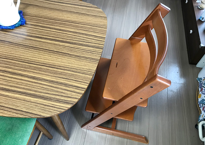 高さ調整な子供用の椅子(ストッケ)