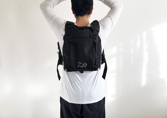 【釣りインプレ/ライフジャケット】実際に装着(着丈/後ろ)ダイワ(Daiwa)収納力
