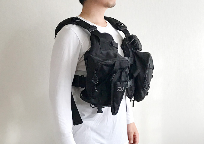 【釣りインプレ/ライフジャケット】実際に装着(着丈/前)ダイワ(Daiwa)収納力