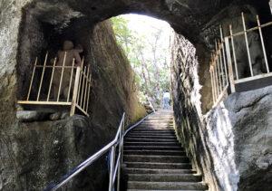 【鋸山登山/大仏】阿修羅・階段・洞窟(映えスポット)