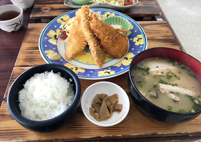 【金谷港の食事処】満腹ミックスフライ定食!フェリー乗り場の波留菜亭(はるなてい)は美味しいしおすすめ